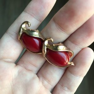 Trifari Jewelry - Vintage Trifari Red Gold Clip On Earrings